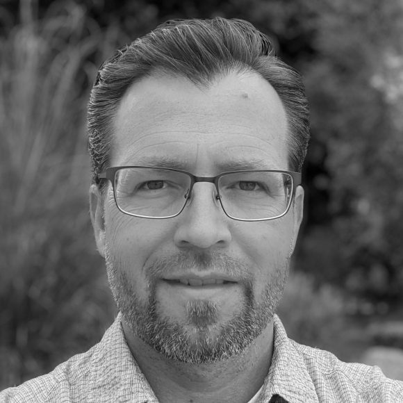 Dr. Cristopher Van Hout